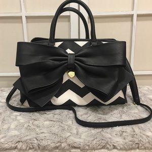 NWOT! Betsey Johnson Black and White Chevron Bag